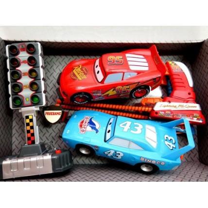 Cars Set 2 Autos Con Lanzador + Semáforo De Largada
